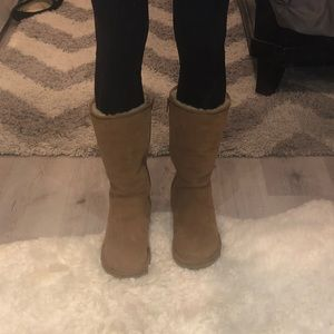 Gently used tall zip up chestnut Ugg's